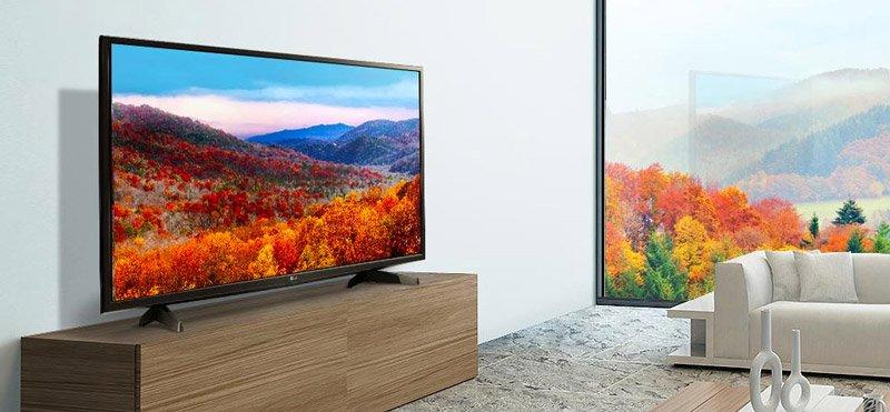 تلویزیون 43 اینچ ال جی در اتاق نشیمن