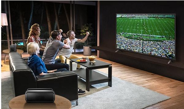 تماشای فوتبال با تلویزیون ال جی 55UN8060